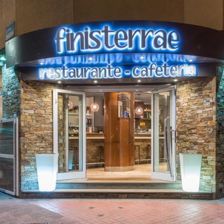 Restaurante Finisterrae, frente a la Torre de Hércules
